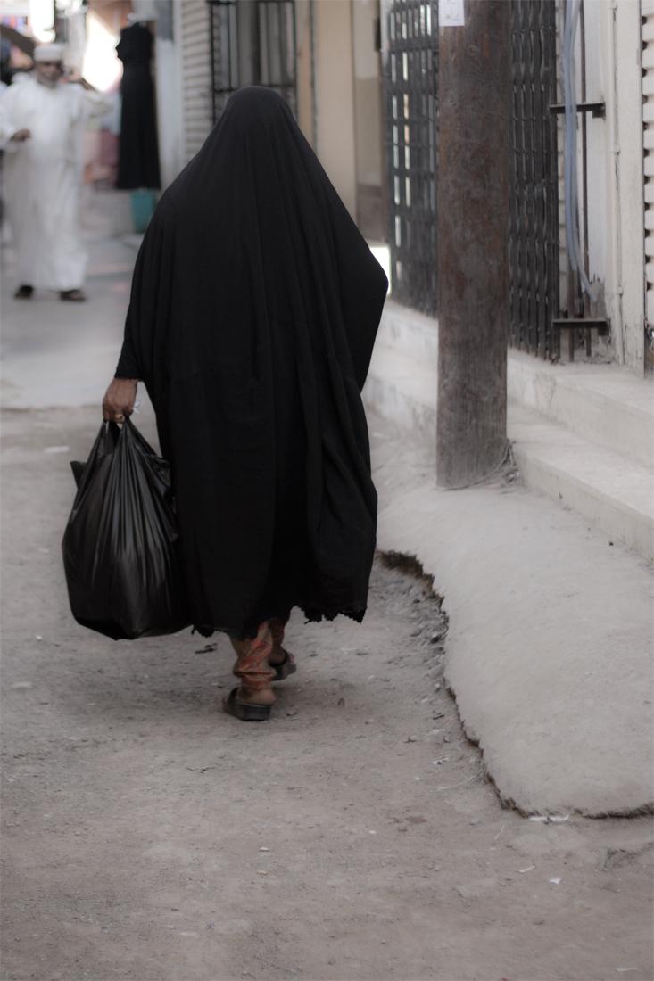 Mujer-en-la-medina