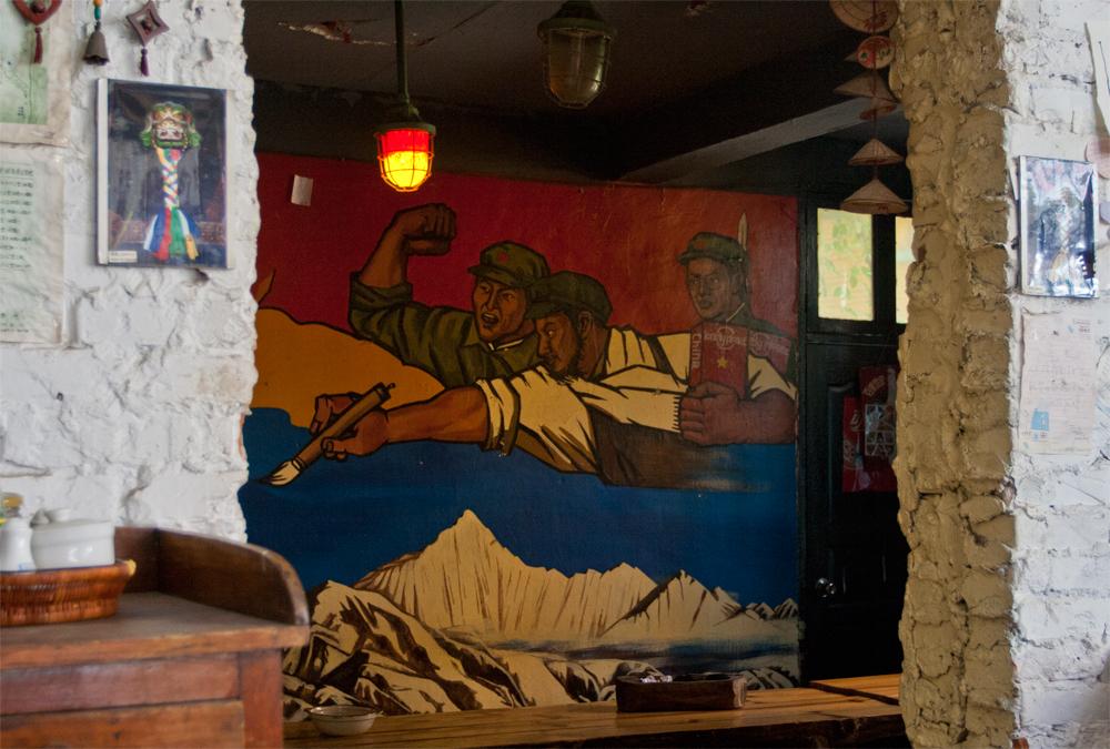 Mural-revolucionario-en-el-hostal