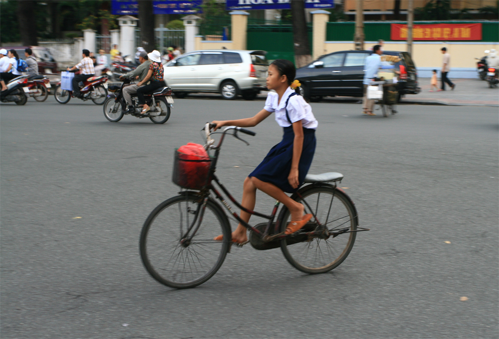 Niña-en-bici