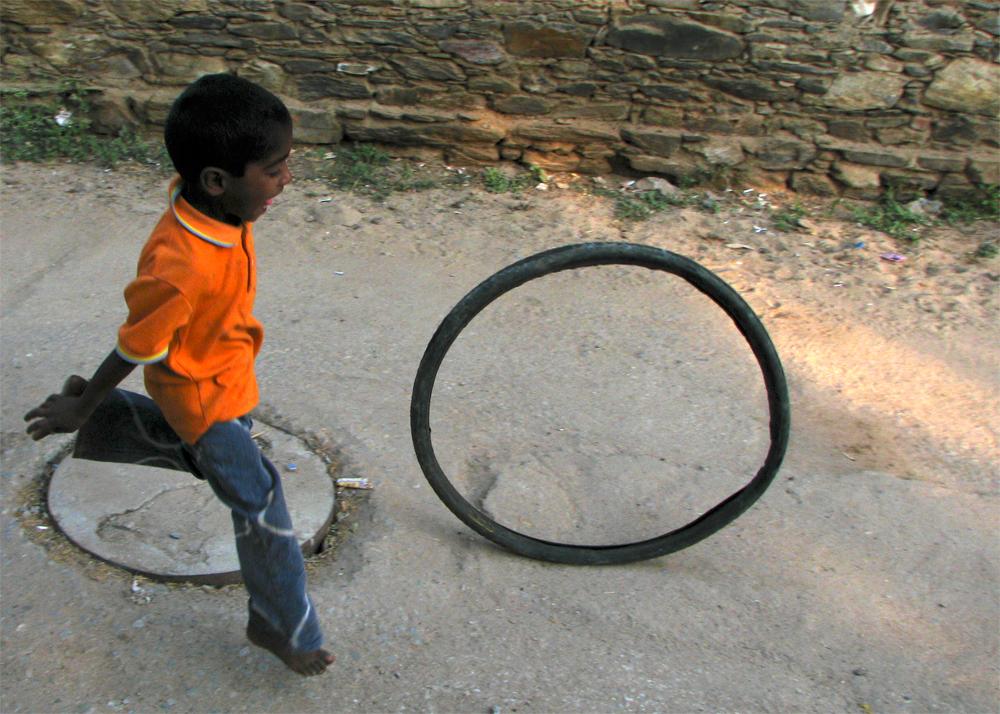 Niño-con-neumático