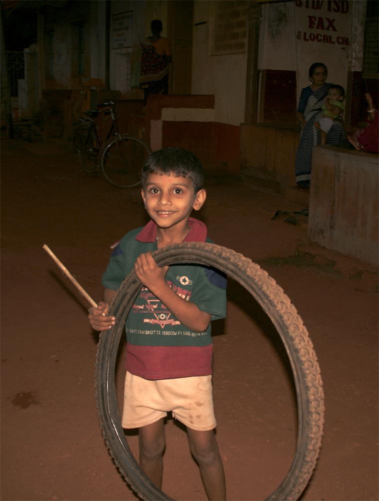 Niño-con-rueda