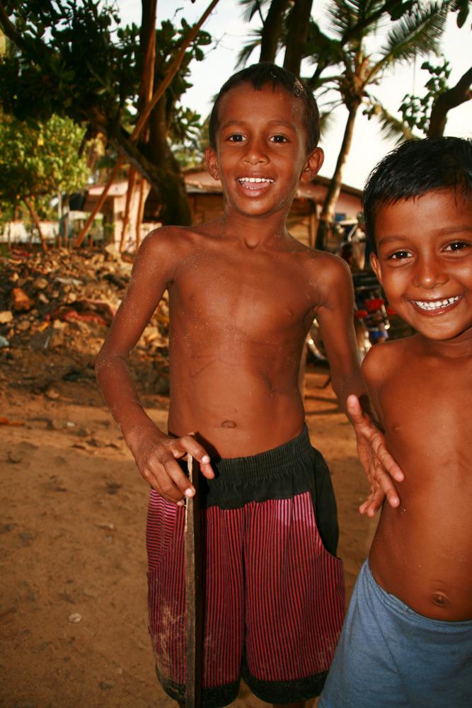 Niños-en-Ambalagonda-II