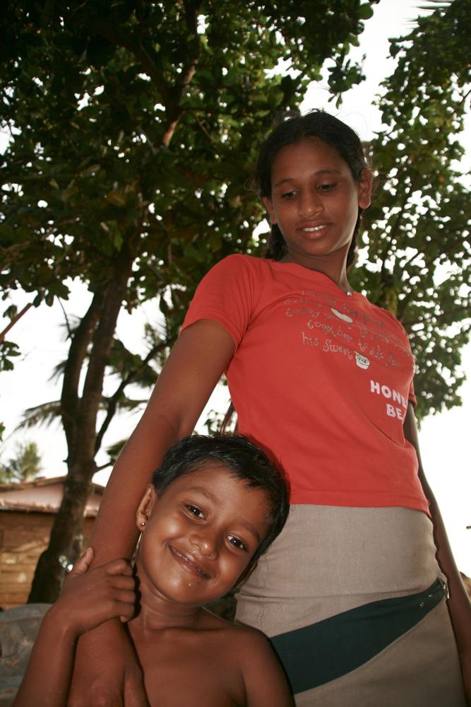 Niños-en-Ambalagonda