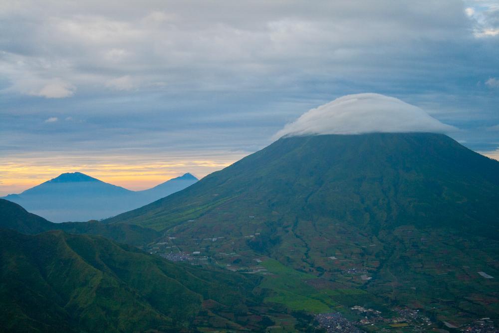 Nubes-sobre-el-volcan