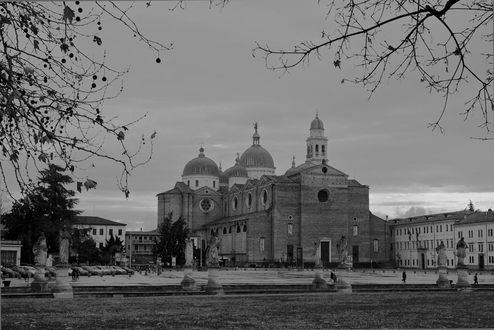 Padua---Basilica-de-San-Antonio-desde-Prato-della-Valle