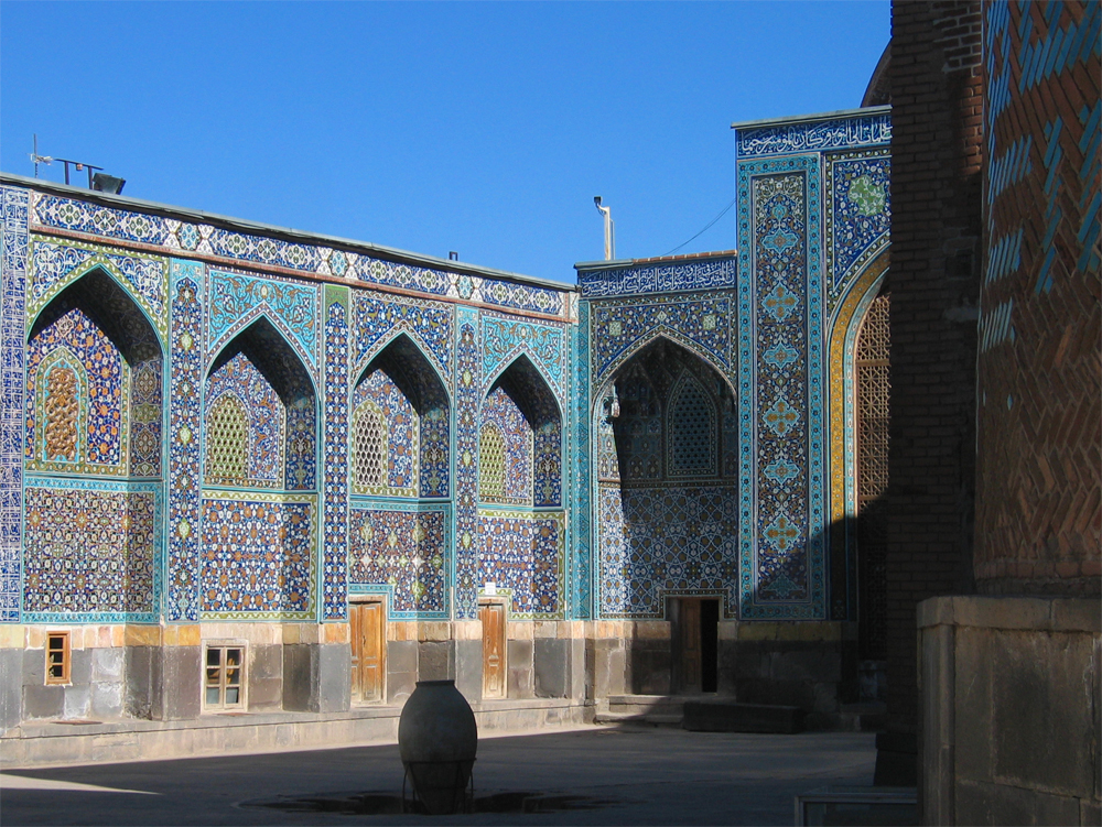 Patio-Mausoleo-Sheikh-Safi-od-Din-de-Ardabil