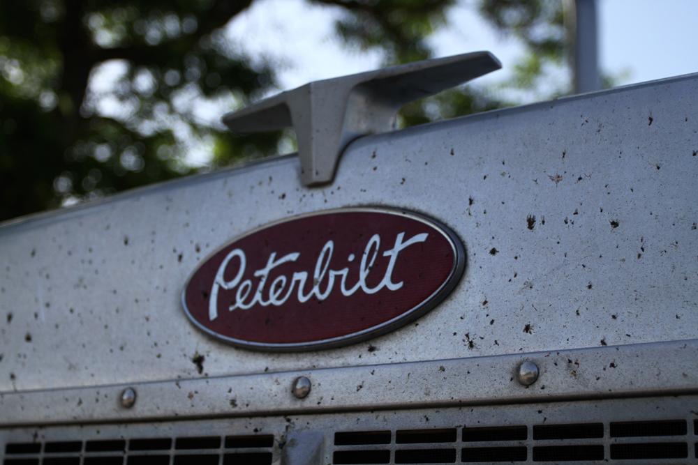 Peterbilt-II