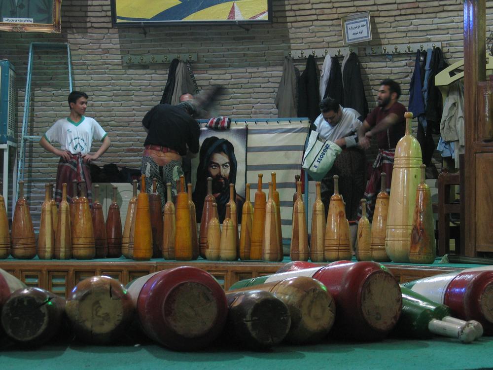 Preparación-de-la-ceremonia-del-Zurkhane