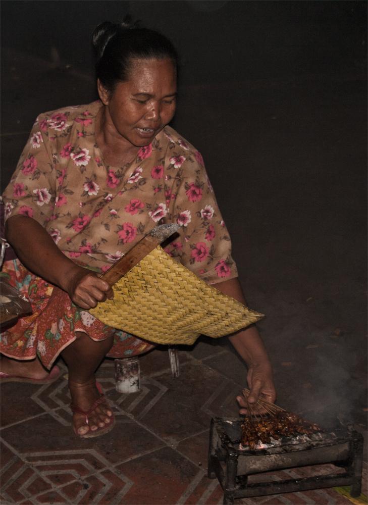 Preparando-Satay