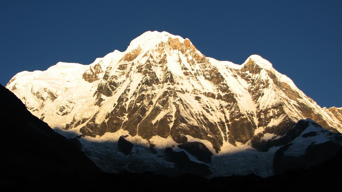 Primeros-rayos-en-Annapurna-sur