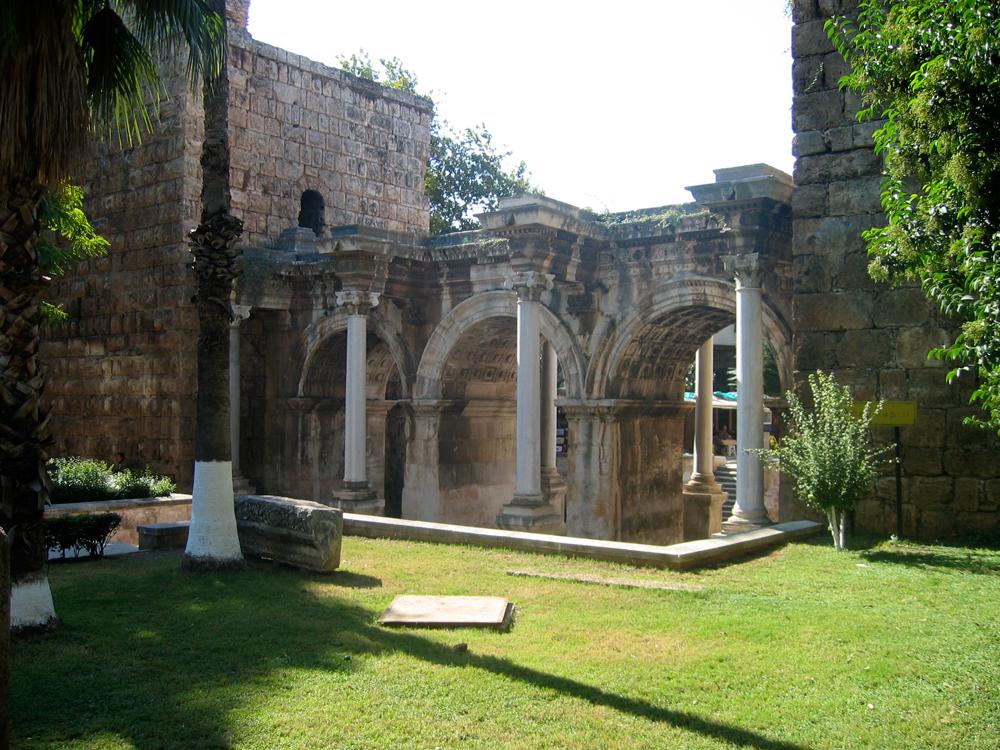 Puerta-de-Adriano