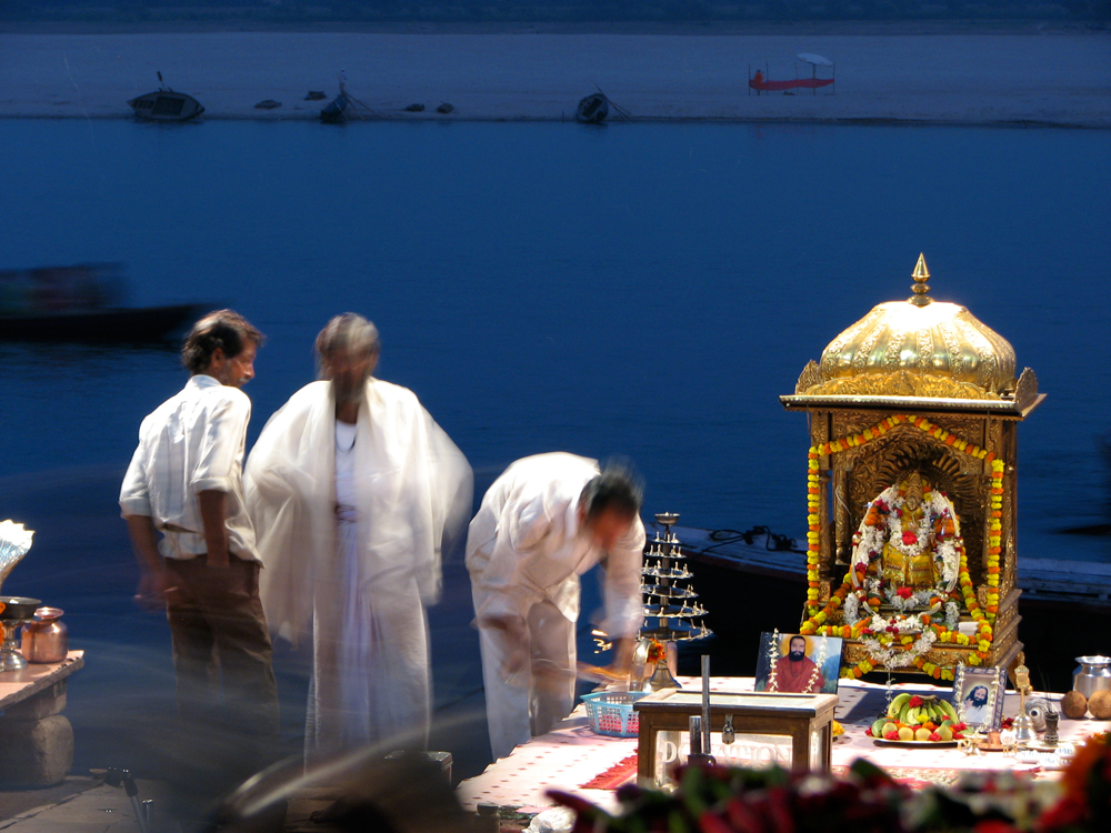 Puja-nocturna-en-Dasaswamedh-Ghat-II