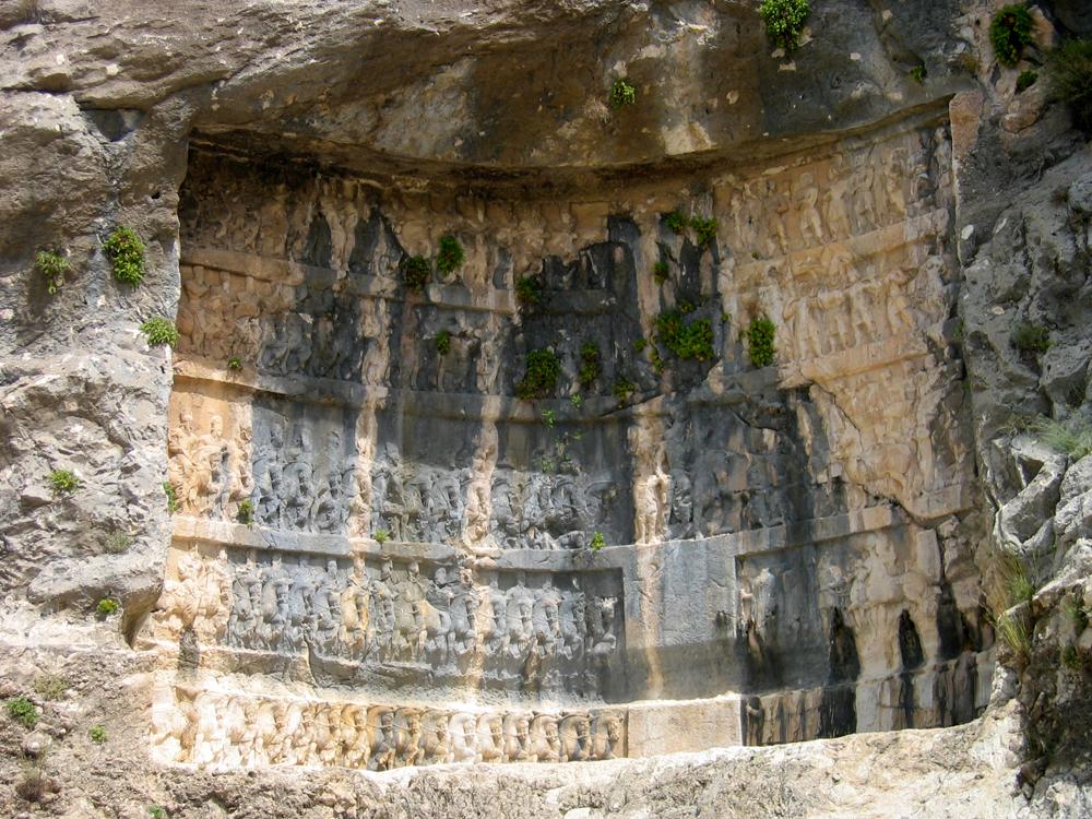 Relieves-Sasánidas-en-Bishapur-II