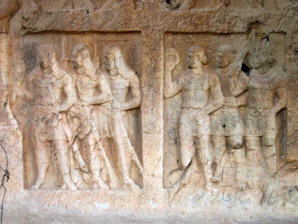 Relieves-Sasánidas-en-Bishapur-III