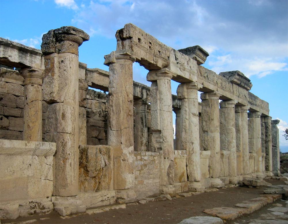 Restos-en-Hierapolis