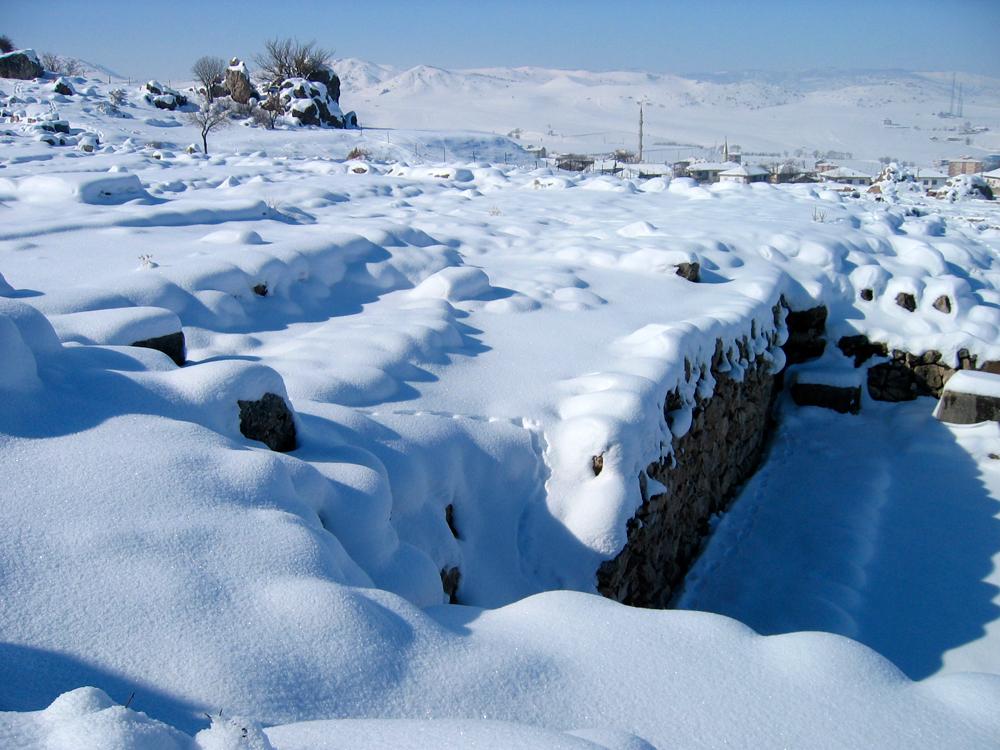 Ruinas-cubiertas-de-nieve