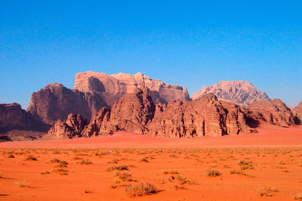 La arena roja de Wadi Rum