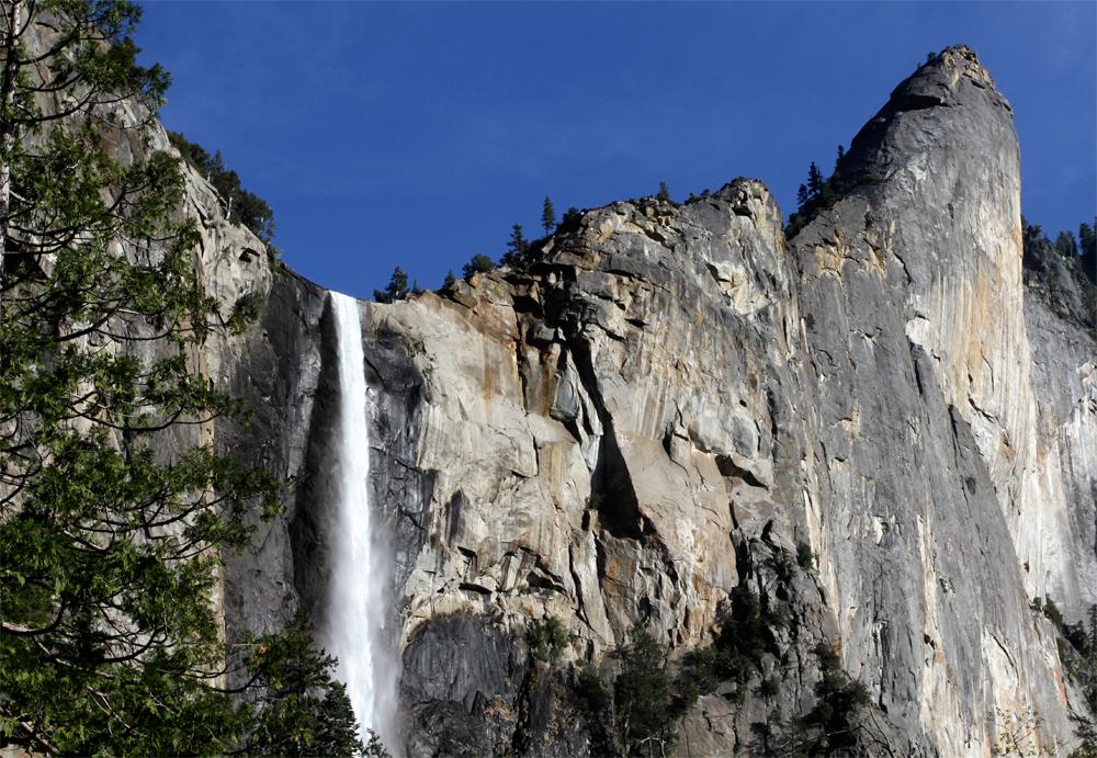 Salto-Yosemite-II-739-metros
