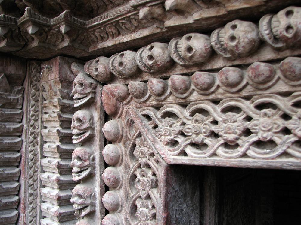 Tallas-de-madera,-Templo-Kumari