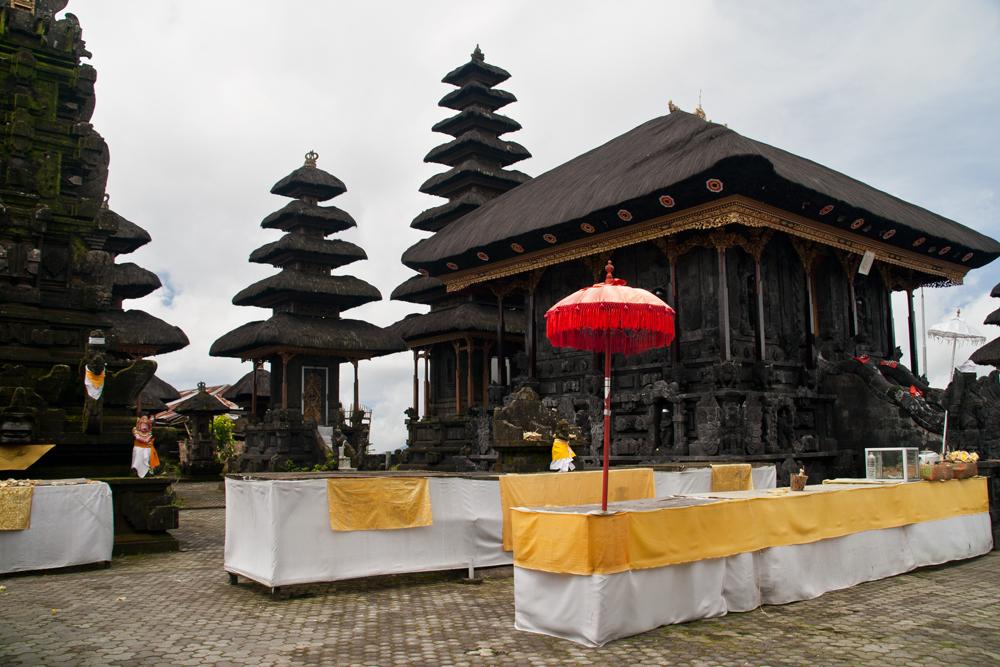 Templo-en-la-región-de-Batur