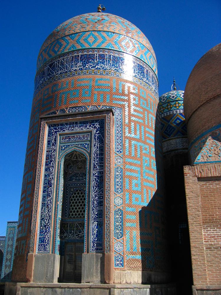 Torre-principal-del-Mausoleo-Sheikh-Safi-od-Din
