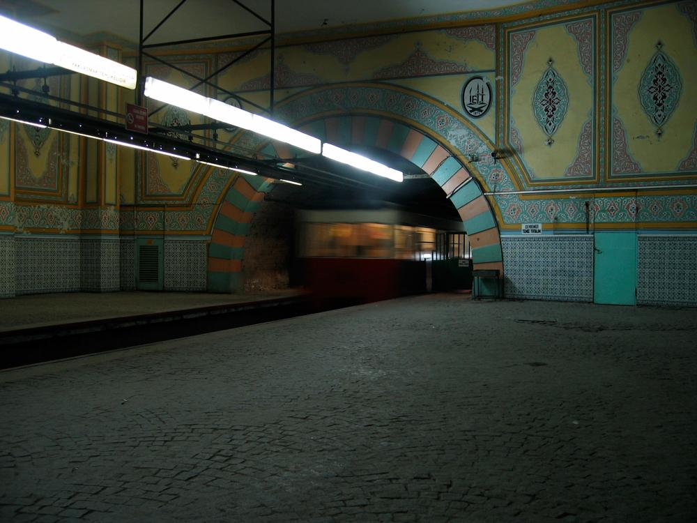 Tranvía-del-Tünel
