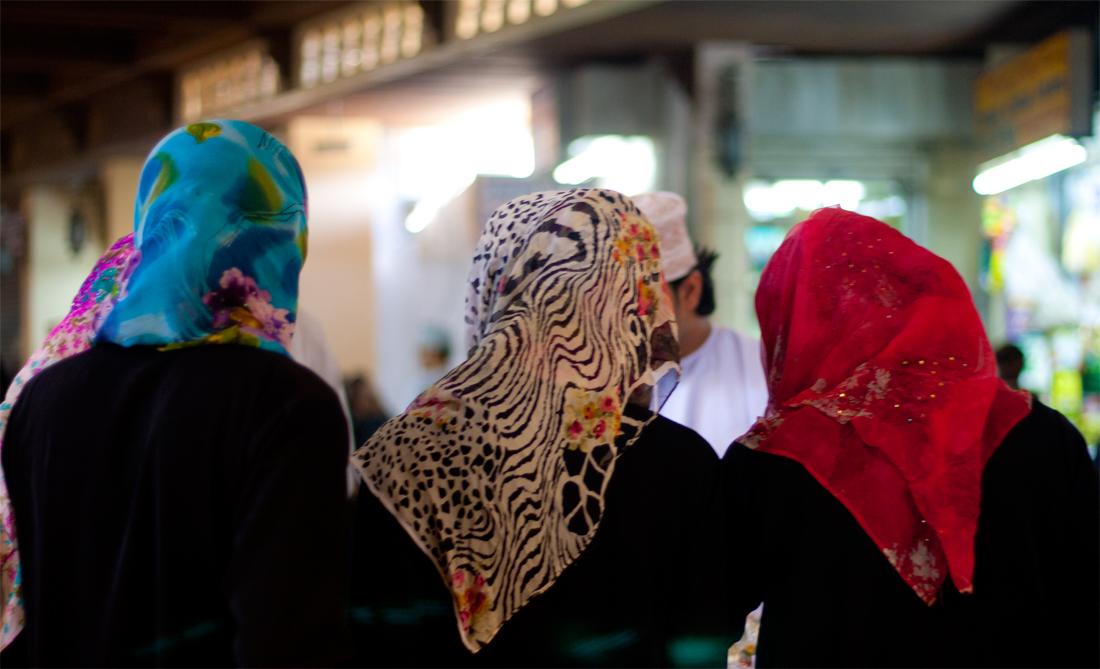 Tres-mujeres-en-el-bazar
