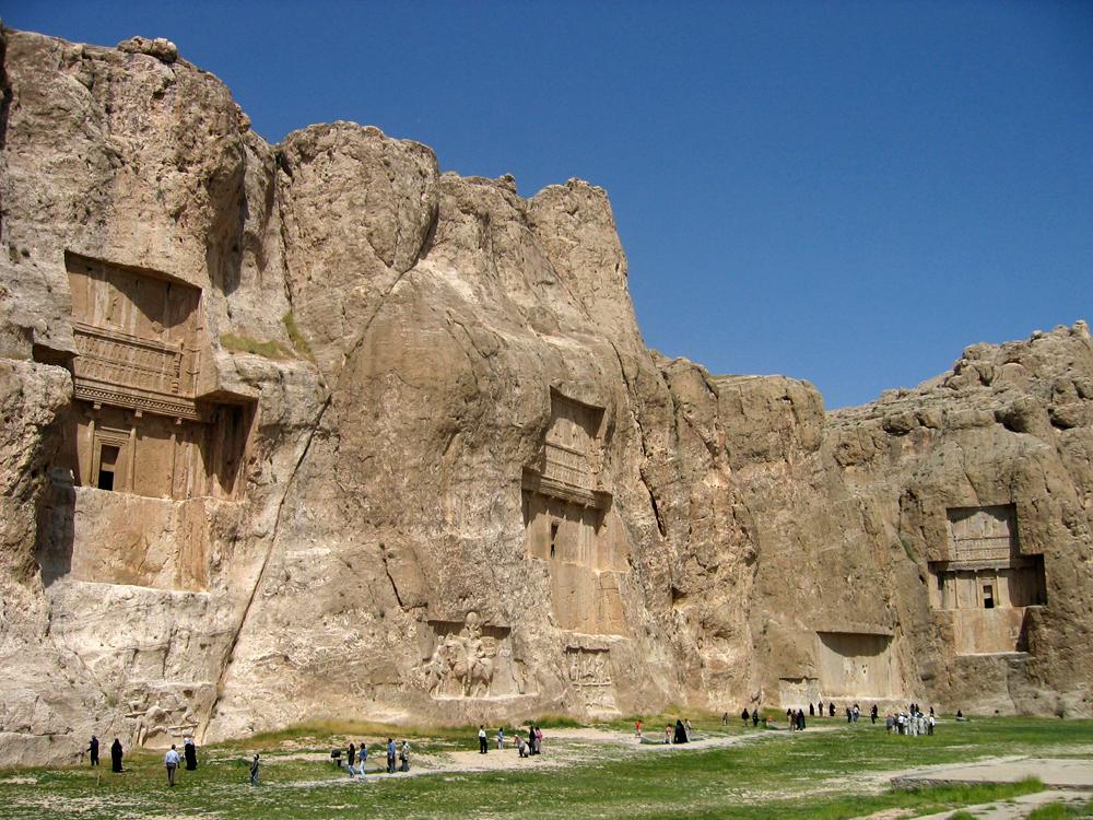 Tumbas-de-reyes-aquemenidas-en-Naqsh-e-Rustam-II