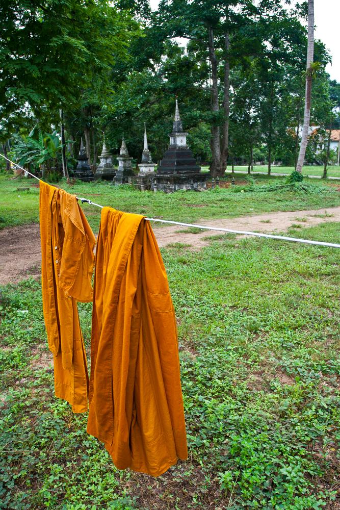 Tunicas-de-monje-budista