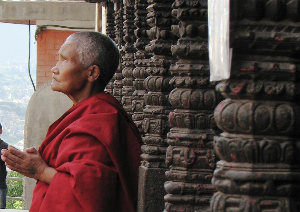 Un-monje-devoto