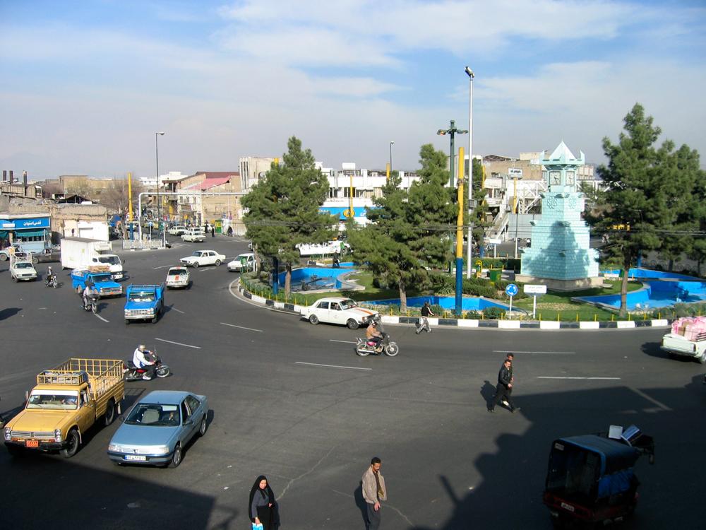 Una-plaza-de-Teheran