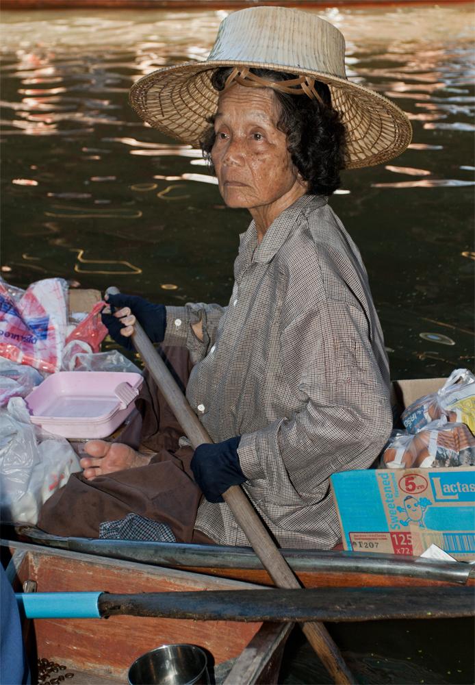Vendedora-en-el-mercado-flotante-II