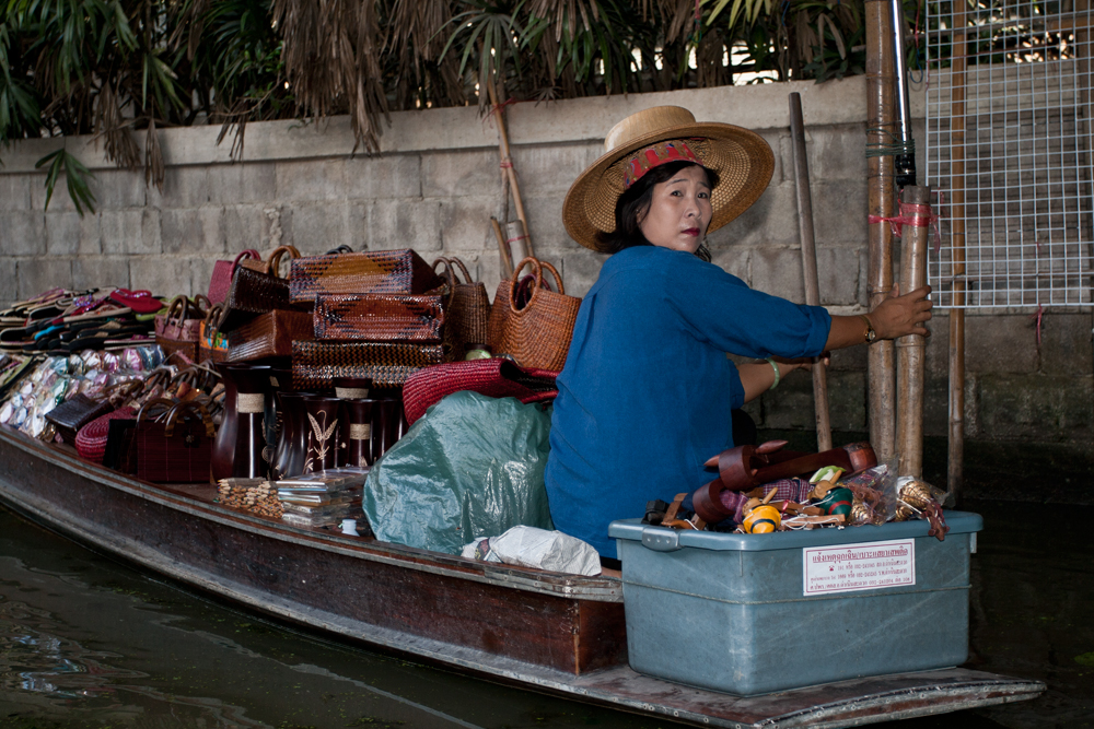 Vendedora-en-el-mercado-flotante-IV