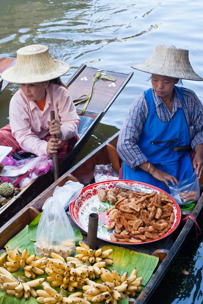 Vendedoras-en-el-mercado-flotante