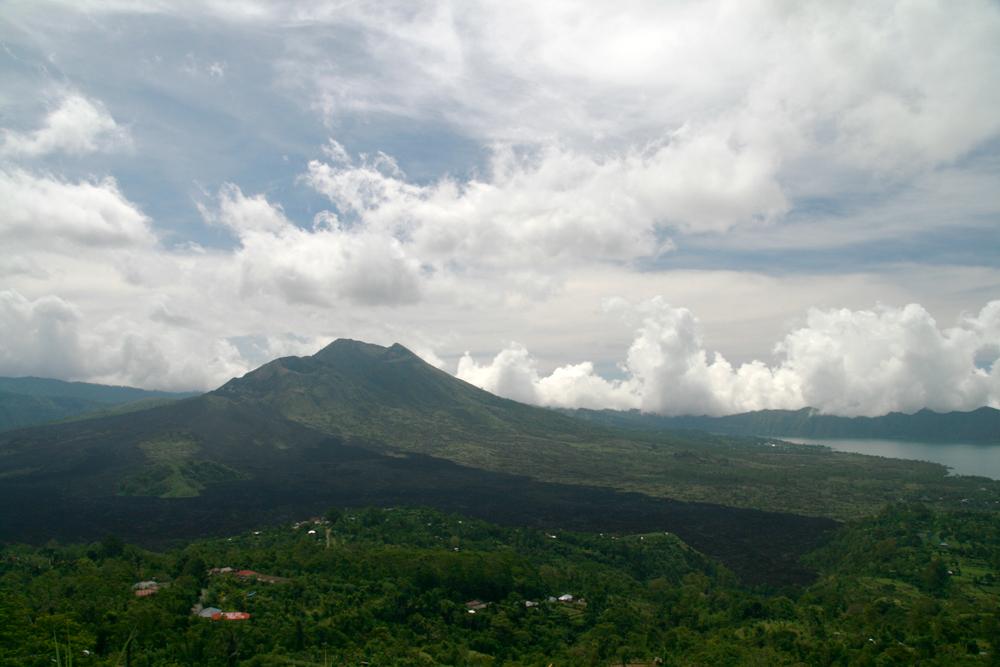 Vistas-del-volcan-Batur
