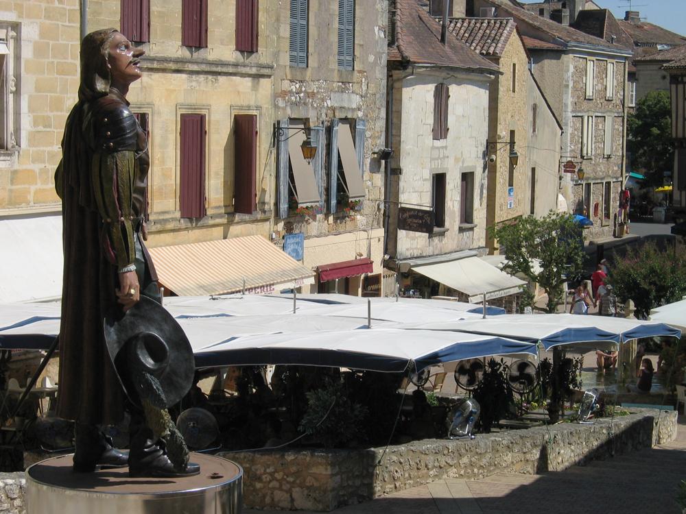 estatua-de-Cyrano-de-Bergerac