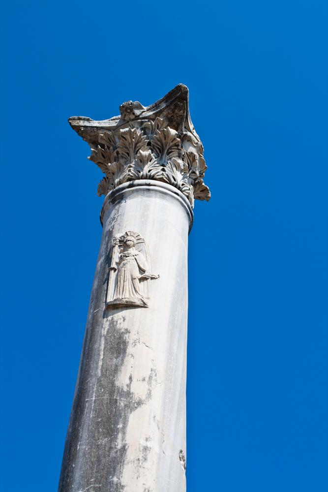 Columna-Corintia