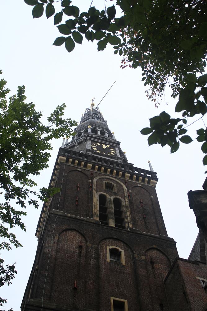 Iglesia-en-el-barrio-rojo