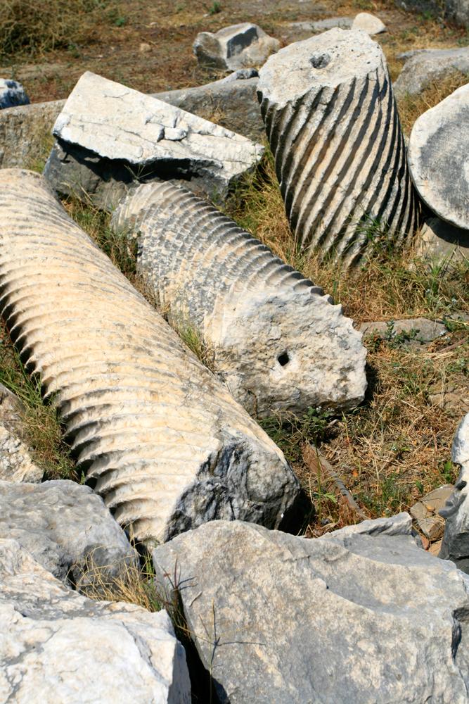 Restos-de-columnas-en-Perge