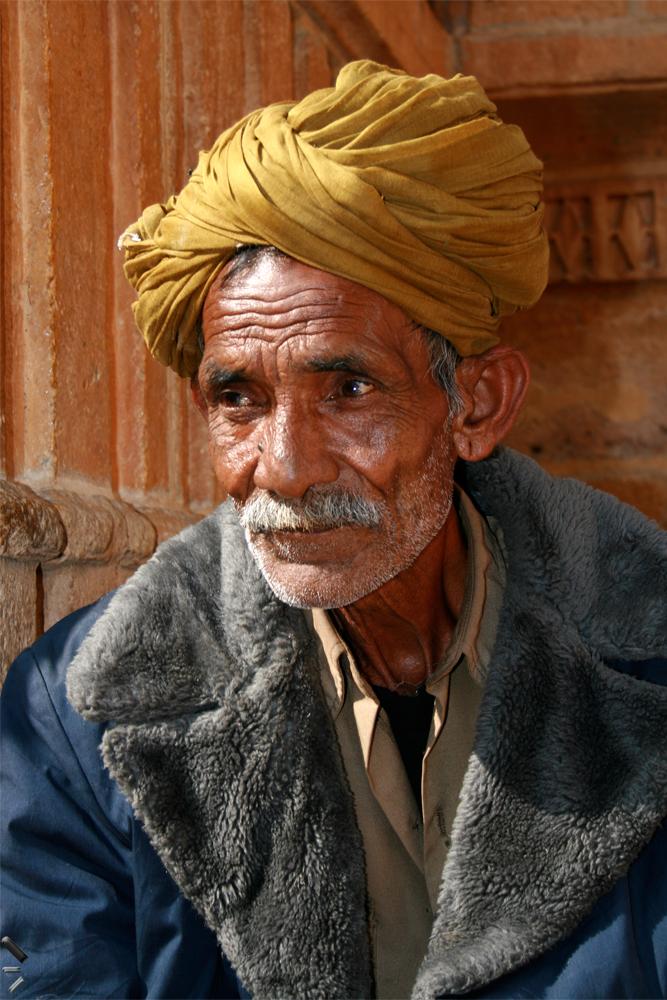 Anciano-en-Jaisalemr-India