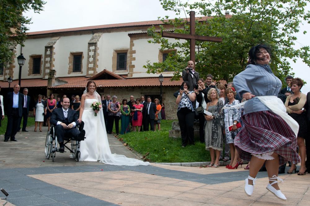 Aurresku-en-una-boda-en-Vizcaya