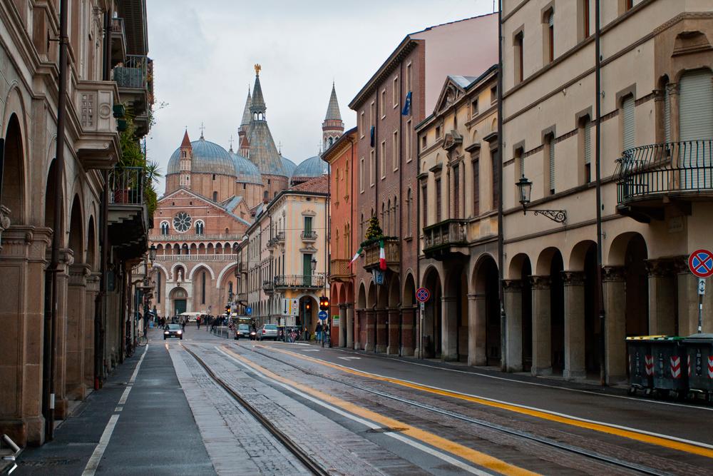 Basílica-de-San-Antonio-de-Padua-en-Italia