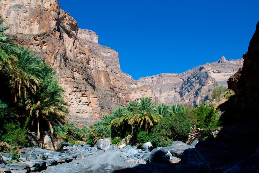Cañón-de-Wadi-Ghul-en-Omán