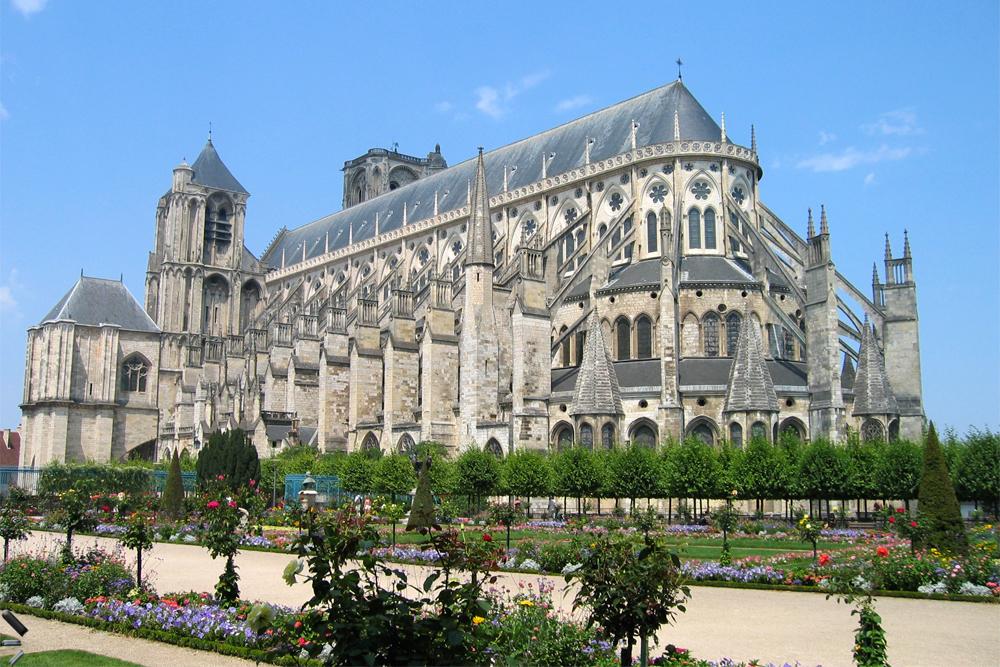 Catedral-de-Bourges-en-Francia