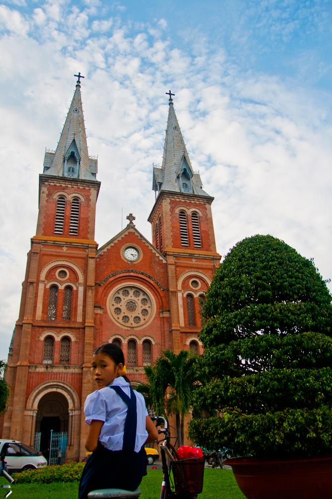Catedral-de-Notre-Dame-de-Ho-chi-Minh