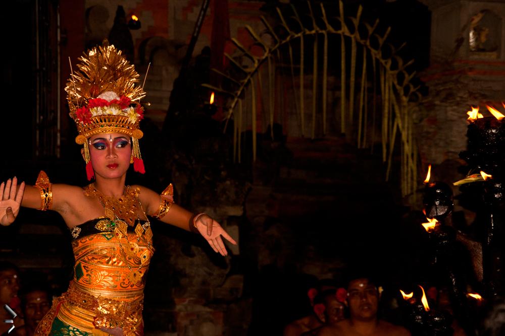 Danza-Kecak-en-Ubud-Bali