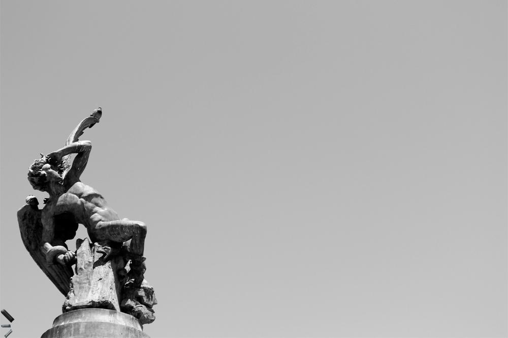 El-angel-caído-del-Retiro-de-Madrid
