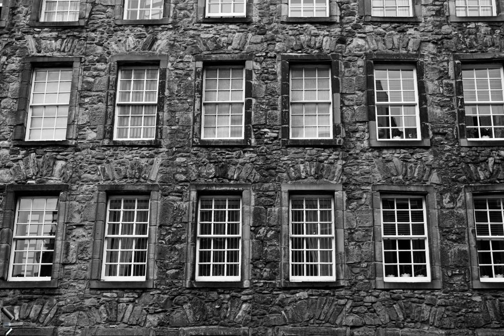 Fachada-de-un-edificio-en-Edimburgo