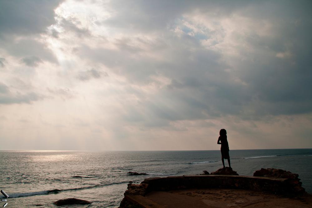 Hombre-frente-al-mar