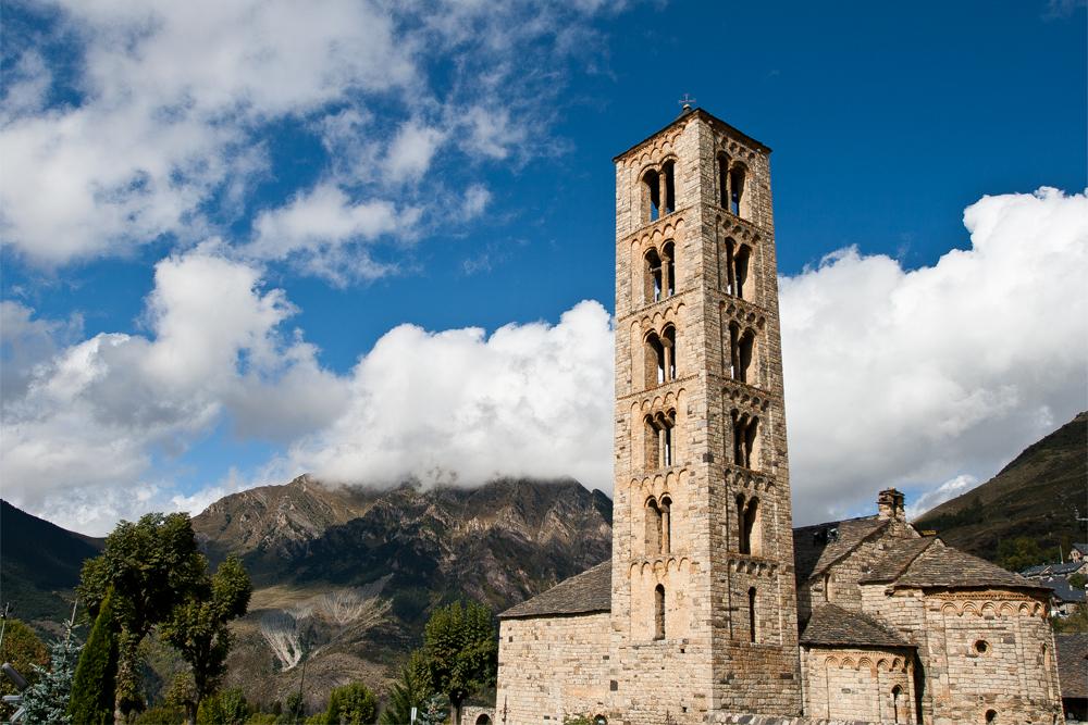 Iglesias-románicas-del-Valle-de-Bohí-(Vall-de-Boí)-de-Lérida-en-España